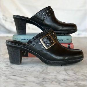 Clark's Bendables | Leather Buckle Mule